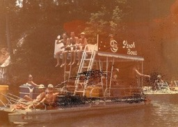 Stroh Boat on the Coosa River